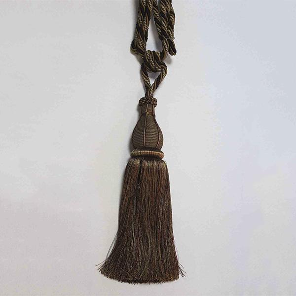 Подхват с кистью, декорирован камнями 17943-0241 | Компания «Сиртекс-Дизайн»