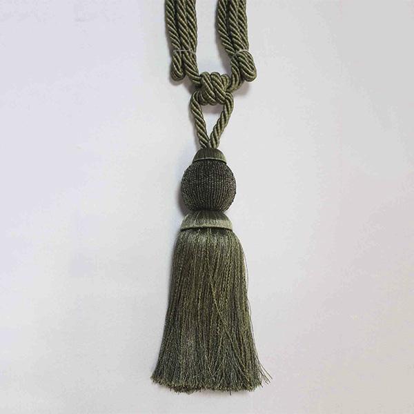 Подхват с кистью, декорирован бисером 32,5см х 77см 17948-0195 | Компания «Сиртекс-Дизайн»