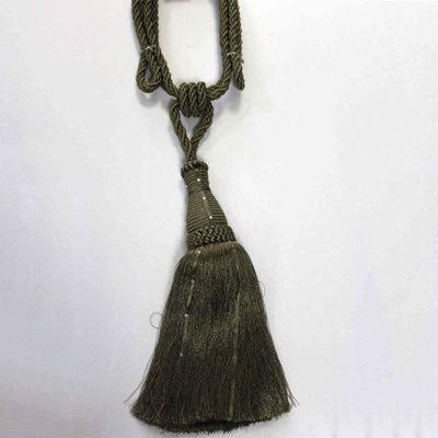 Подхват с кистью, декорирован стразами 17951-0171 | Компания «Сиртекс-Дизайн»
