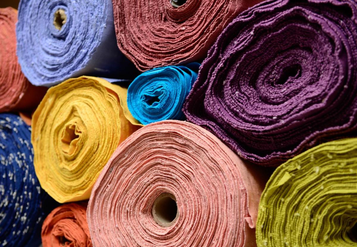 жизни ткани разных цветов картинки возле самой площади